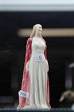 Royal Doulton Figure 'Collinette' Rd No 846732