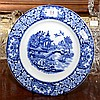 AN ENGLISH WILLOW PATTERN BLUE AND WHITE CABINET PLATE