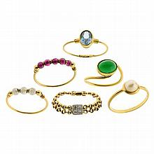 SIX 18CT GOLD STONE SET RINGS; a chain link set with 4 round brilliant cut diamonds, one with garnet beads, one with agate, one with...