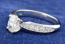1.00ct. Center Oval Diamond Ring 18K-EGL VS2-E