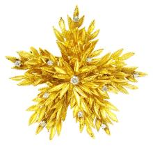 Brooch Pin Flower design Diamonds .45ct.tw 29.7 grams gold18K
