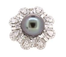 13.1mm South Sea Pearl Ring & 2.97ct.tw on Diamonds 18K