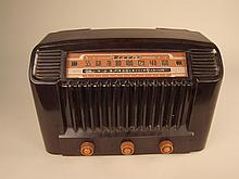 1947 Bendix Model 636 Bakelite Radio.