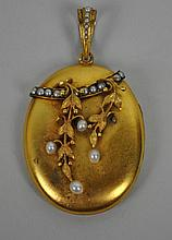 VICTORIAN GOLD & PEARL LOCKET PENDANT