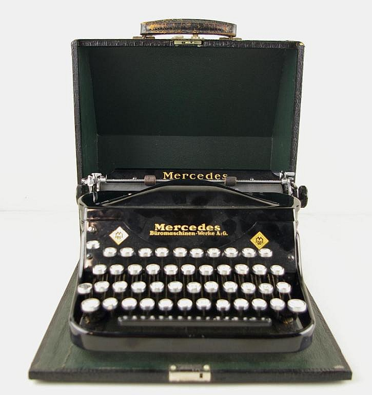 MERCEDES SUPERBA PORTABLE TYPEWRITER