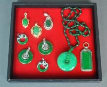 (9) CONTEMPORARY CHINESE JADE JEWELRY GROUP