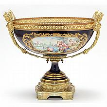 A French Serves Style Banquet Urn