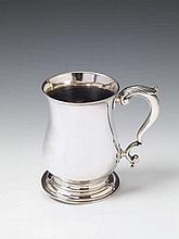 A George II London silver mug. Marks of William Shaw II & William Preist, 1758.