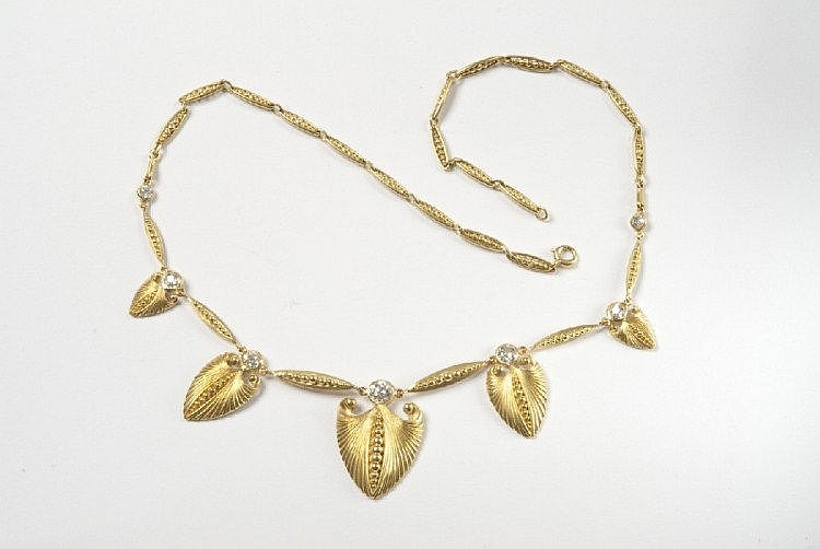 A French 18 ct yellow gold and diamond necklace