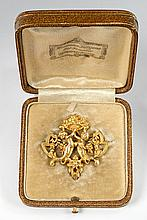 A German 14 ct gold historicist brooch. In