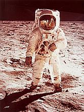 NASA, Astronaut Edwin E. Aldrin Jr. walks on the surface of the Moon, Apollo 11, 1969