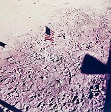 NASA, The flag of the United States, deployed on the surface of the Moon, Apollo 11, 1969