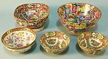 LOT OF FIVE GRADUATED FAMILLE ROSE BOWLS