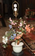 Asian design table lamp with glass flowers and leaves