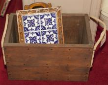Rope handled storage box with tile tray