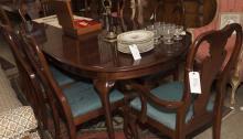 Queen Anne design nine piece Thomasville dining set,