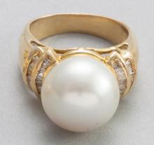 Pearl, diamond and gold ring