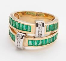 Emerald, diamond and gold ring
