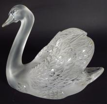 Large Lalique Crystal Swan, 20th century, signed
