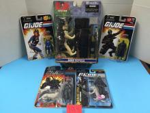 (4) GI Joe Action Figurines & (1) GI Joe Battle Gear Bomb Disposal Kit