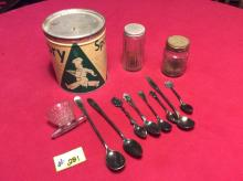 Miscellaneous vintage kitchen - All for one money