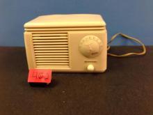 Antique Firestone Radio Model s-7426-6