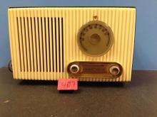 Antique Stewart Warner Radio Model 9152B