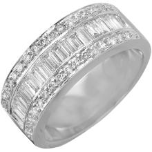 18KT White Gold 1.30ctw Diamond Wedding Band