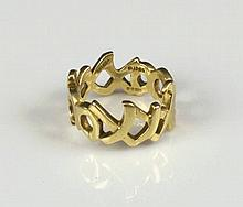 TIFFANY & CO. PALOMA PICASSO 'XOXO' RING, 18K gold, signed 'Paloma Picasso'