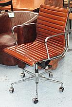 REVOLVING DESK CHAIR, Charles Eames style in ribbe