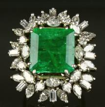 Ring, Gold, Emerald (5.9 cts.),Diamonds(2.65 cts)