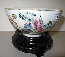 Chinese Famille Rose porcelain bowl finely painted