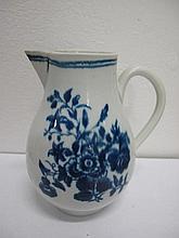 18th century Worcester sparrow jug measures 12.5cm