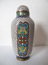 Fine Chinese cloisonne octagonal snuff bottle with fine floral panels measu