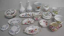 Shelf Royal Albert, Wedgwood, Crown Derby Posies jugs, pin dishes qty