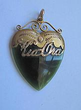 Antique 9ct New Zealand Kia Ora jade heart pendant measures 4cms stamped with New Zealand hallmarks