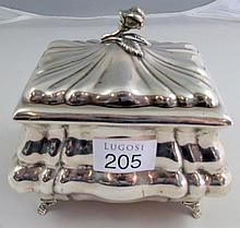 19thC Austrian silver sugar box weighs 285gms