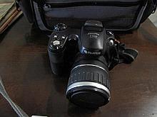 Fuji finepix S5600 digital camera with bag etc