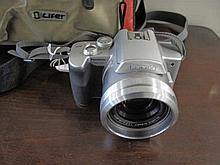 Panasonic Lumix digital camera DMCFZ2 with bag