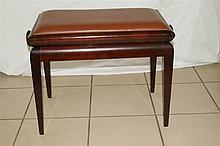Tabouret de piano en bois laqué et cuir. Art déco. Hauteur (baissé) : 44 cm