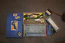 Collection of Hornby, Dublo and other model railway items m