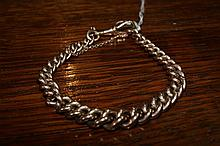 9ct gold bracelet of graduated chain link form, 34 grams