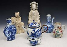 A COLLECTION OF CHINESE PIECES, viz an 18th Century blue and white porcelain teapot, a Chinese Manda