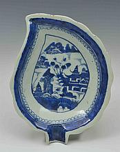A CHINESE BLUE AND WHITE PORCELAIN EXPORT LEAF
