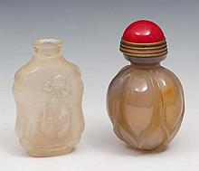A Chinese agate snuff bottle 19th Century of ribbe