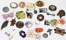 (32) MIXED LOT OF VINTAGE BROOCHES & PINS