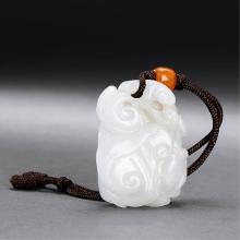 A CHINESE WHITE JADE CARVING OF LINGZHI