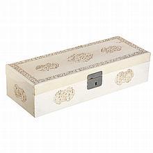 Rectangular box in Chinese ivory