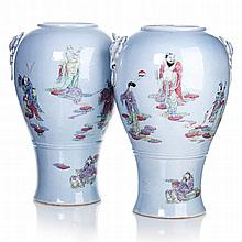Pair of bulging vases 'Immortals' in Chinese porcelain, Tongzhi