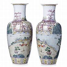 Pair of vases 'Landscape' in Chinese porcelain, Minguo